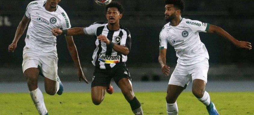 Com mais um resultado adverso, o Botafogo, do atacante Warley, já começa a ficar na parte de trás da tabela