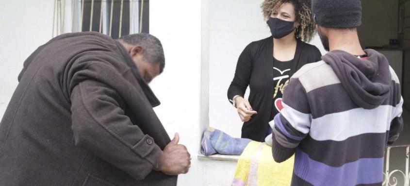 Município distribui agasalhos e cobertores a famílias em vulnerabilidade social