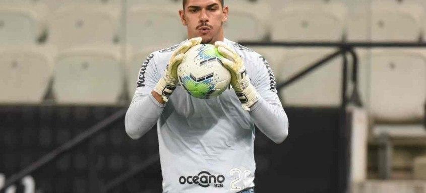 Goleiro João Paulo, formando na categoria de base do Santos, tem multa rescisória de 100 milhões de euros
