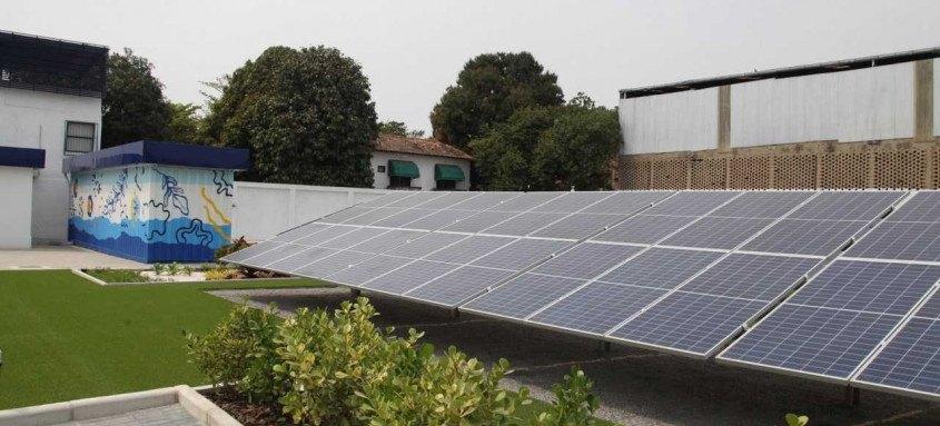 Profissionais da Secretaria de Meio Ambiente visitam primeiro empreendimento a adotar placas fotovoltaicas no município