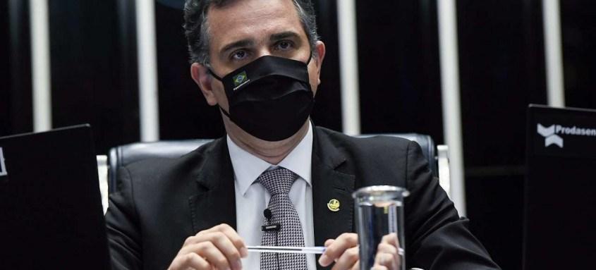 Presidente da casa, senador Rodrigo Pacheco, leu Ato de Devolução no Plenário