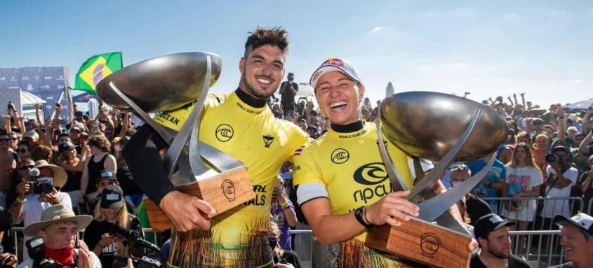 Gabriel Medina e a havaiana Carissa Moore foram os campeões do Circuito Mundial de Surfe