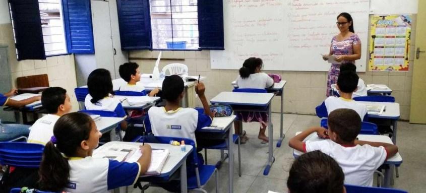 Entre os docentes, 16,70% não têm ensino superior completo