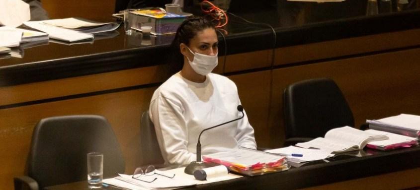 Acusada de participação da morte do filho, Monique Medeiros acompanhou os depoimentos no banco dos réus
