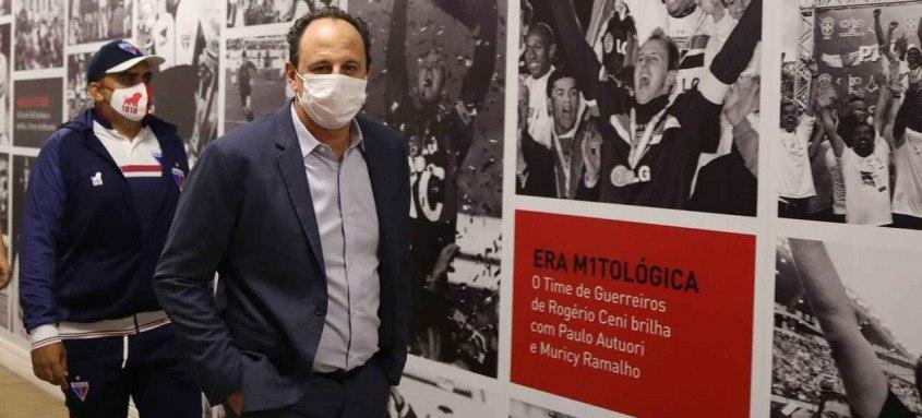Rogério Ceni volta a comandar o São Paulo após ser campeão brasileiro com o Flamengo em 2020