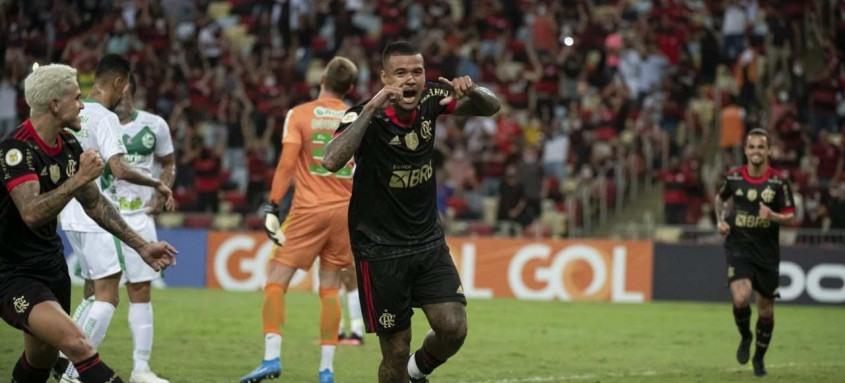 Kenedy fez na noite desta quarta-feira seu primeiro gol com a camisa do Flamengo