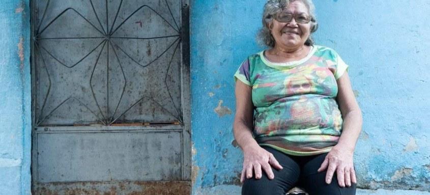 O projeto retrata o cotidiano e o acesso ao Sistema Único de Saúde (SUS) por Josefa (65), moradora do Morro do Barbante no Rio de Janeiro